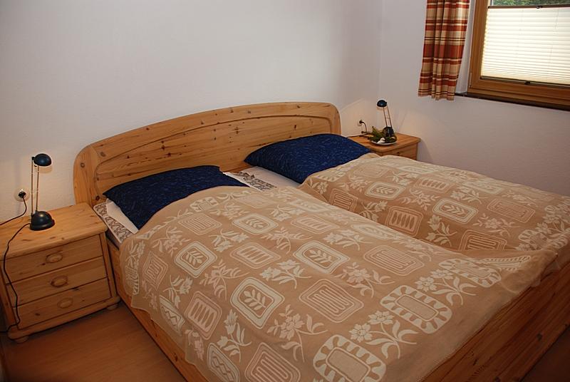 Schlafzimmer 1: