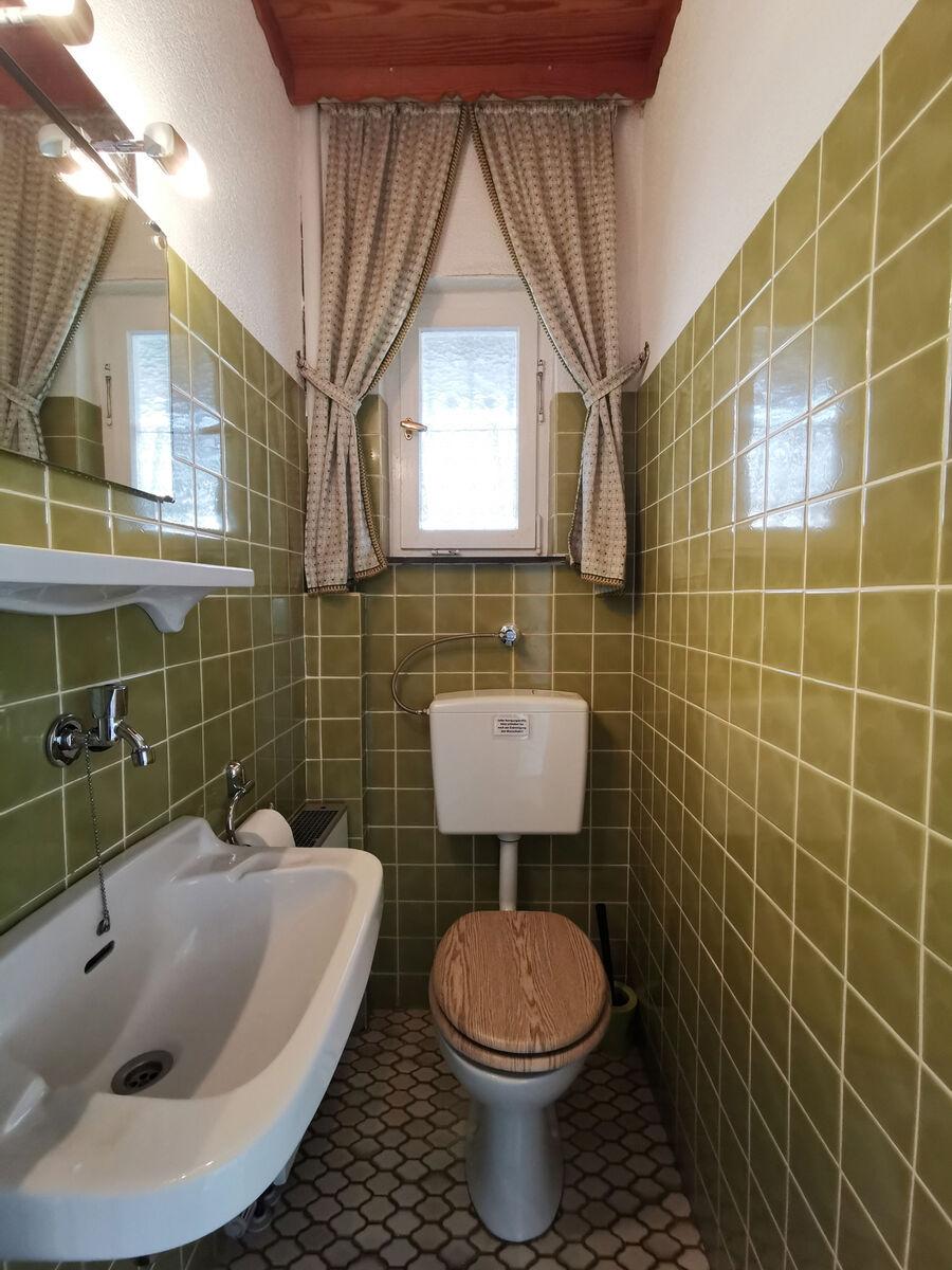 Separate Toilette: