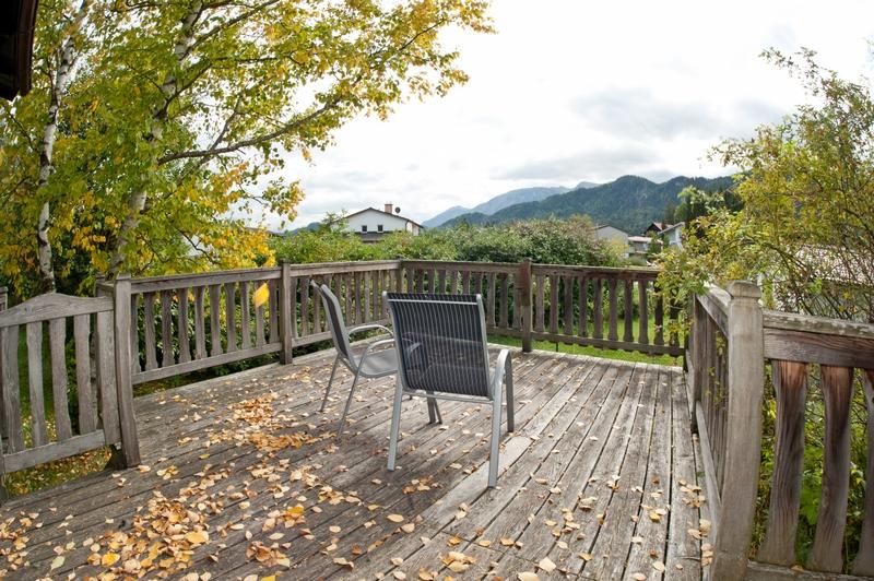 Terrasse:Der Blick geht Richtung Berge