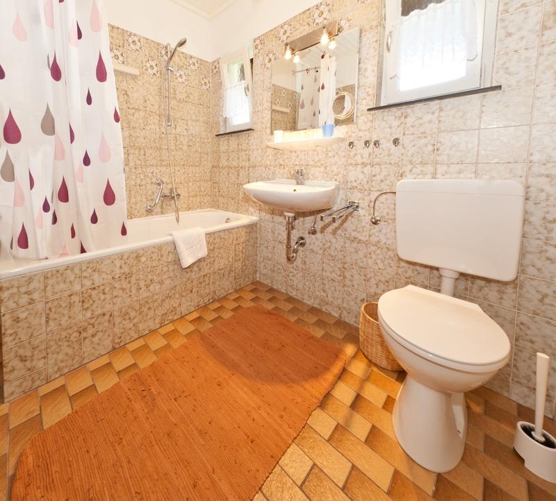 Bad und WC:Bad und WC sind kombiniert, und somit sehr großzügig