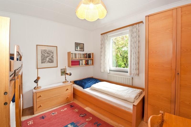 Kinderzimmer:Das Einzelbett ist auch für Erwachsene geeignet