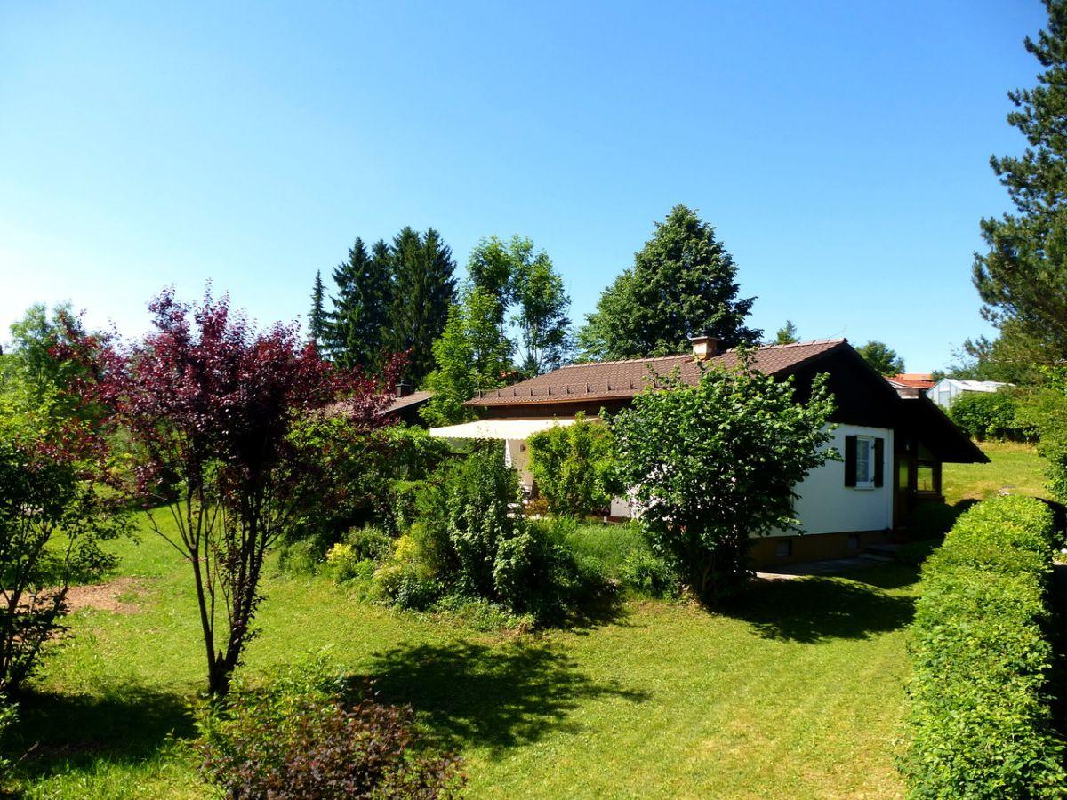 Das Haus im Sommer: