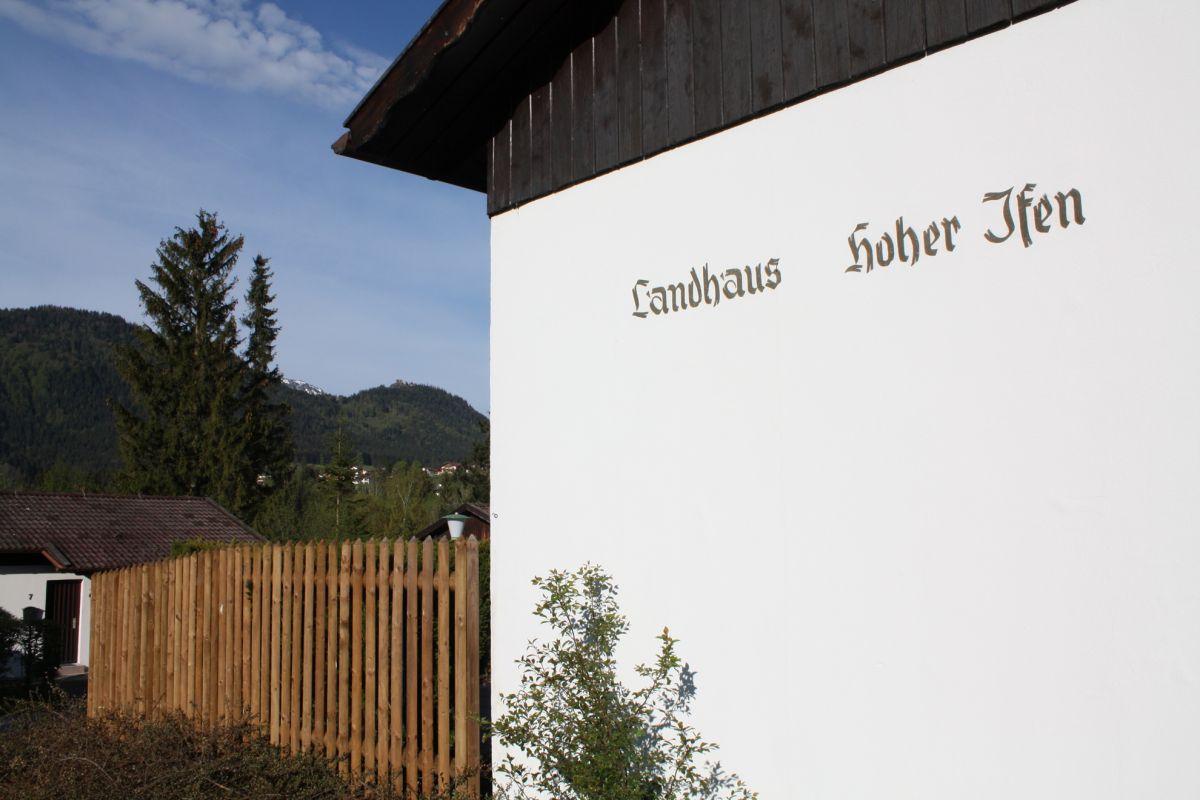 Haus vor den Bergen: