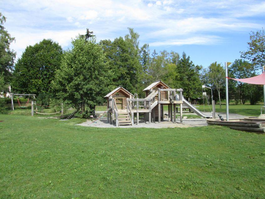 Spielplatz:Spielplatz am See