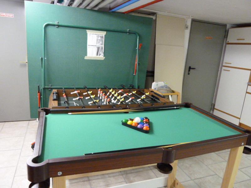 Hobbyraum:Billardtisch Kicker Tisch Tischtennisplatte