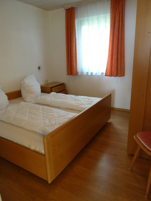 Schlafzimmer I: