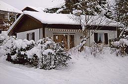 Schwarzenbachweg 24