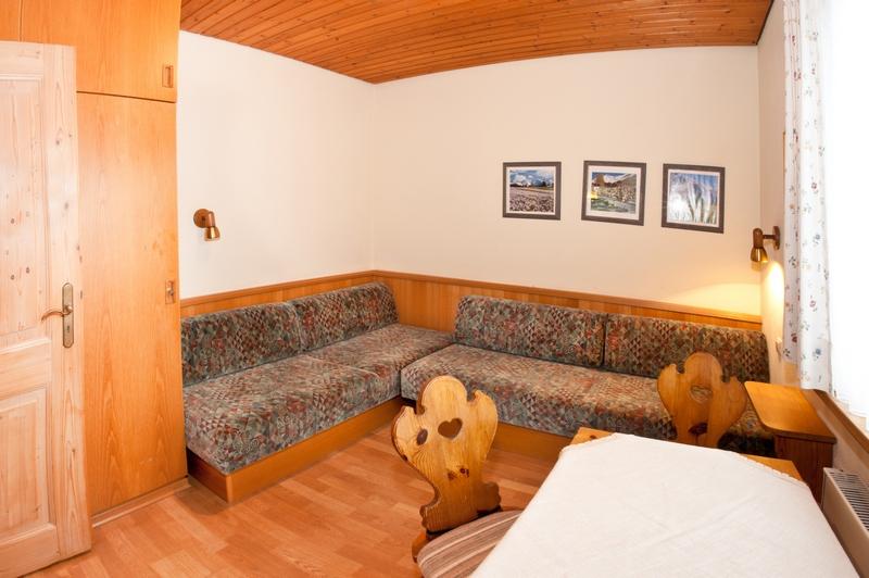 Kinderzimmer:2. Schlafzimmer mit Sitzecke