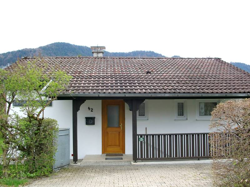 Schwarzenbachweg 42