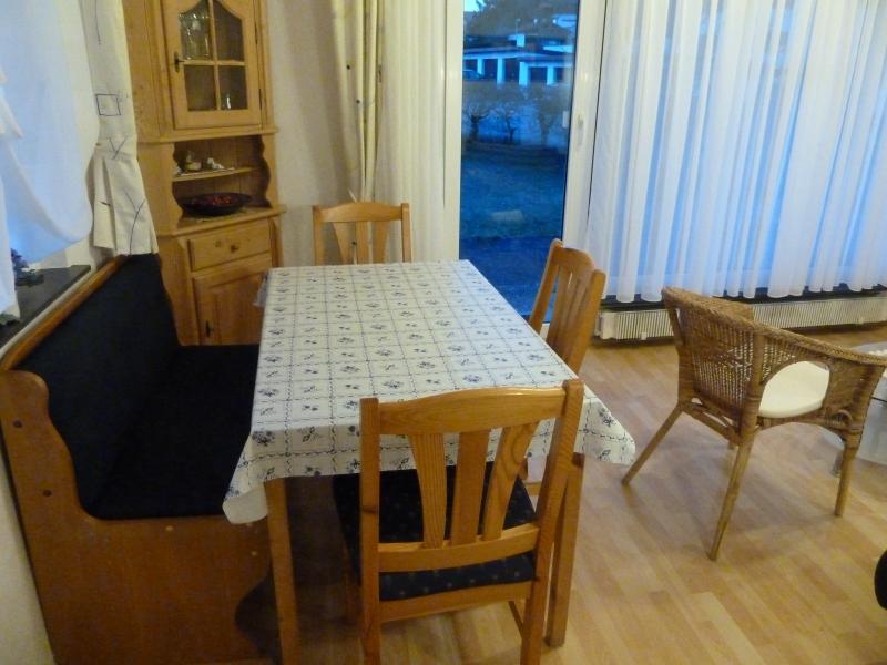 Essbereich im Wohnzimmer:Der Essbereich ist gemütlich und liegt in unmittelbarer Nähe zur Küche.