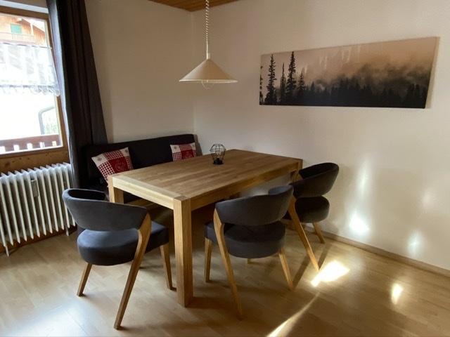 Esszimmer :Esszimmer mit  Tisch für 6 Personen